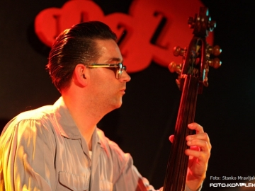 Hot_Club_Zagreb_-_Gypsy_Swing_20