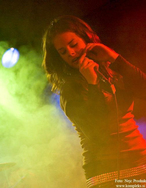 Piksna_-_koncert_ob_izidu_prvega_albuma_Kolaz__28