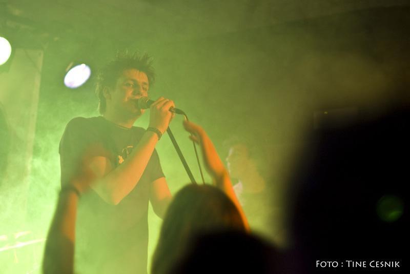 Piksna_-_koncert_ob_izidu_prvega_albuma_Kolaz__39